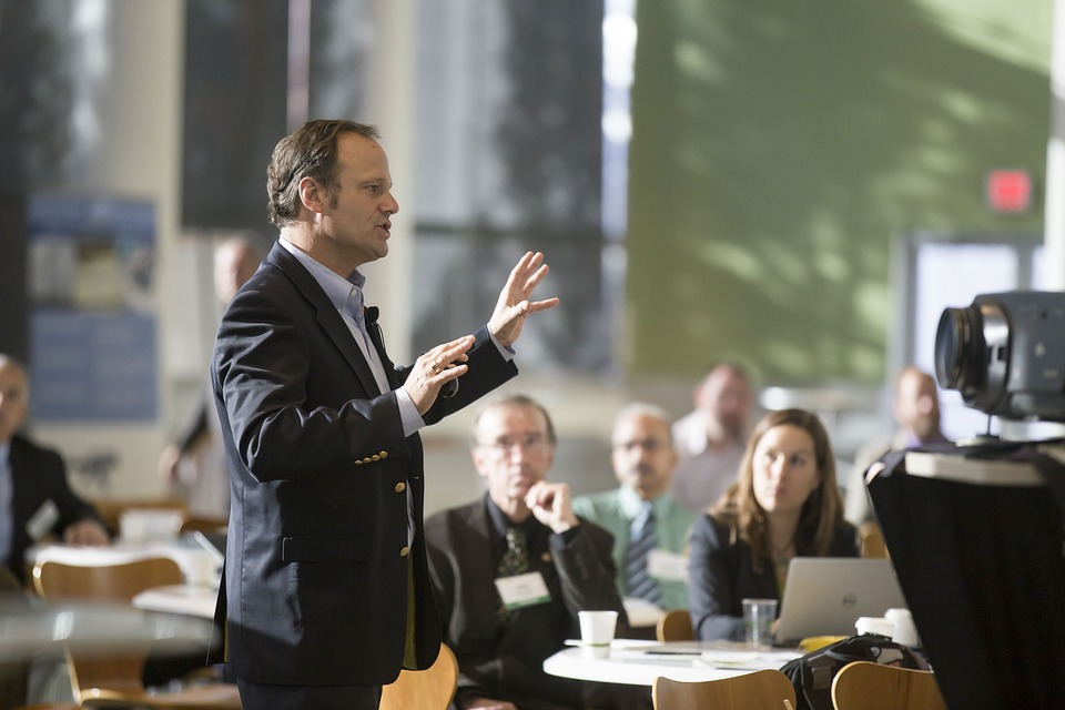 4 Ways to Grow Your Confidence as a Business Leader